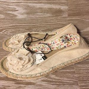 Bongo Peep Toe Flat Tan Shoes